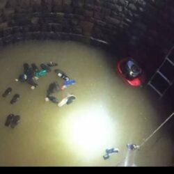 Tolong Anak yang Jatuh ke Sumur Sedalam 15 Meter, 30 Orang Tercebur dan 11 Tewas